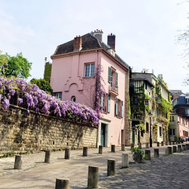 The Montmartre District, or 'Old Paris' as I like to think of it, is the hub of some incredible culture, history and beauty.